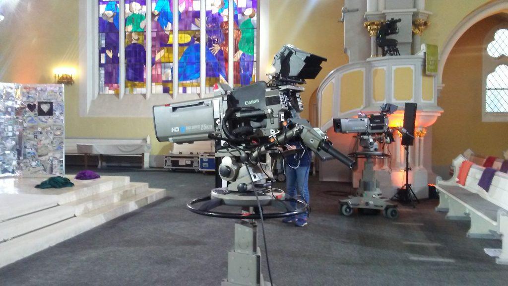 Fernsehgottesdienst in Wiesbaden mit dem Gospelchor XANG und mir am Piano
